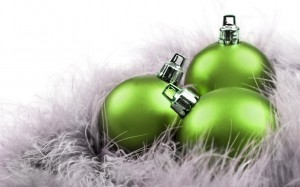 New_Year_wallpapers_Green_balls_025508_