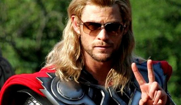Chris-Hemsworth-Thor-in-Sunglasses